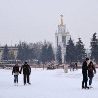 На катке ВДНХ :: Владимир Болдырев