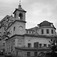 Храм Успения Пресвятой Богородицы на Могильцах :: Наталья Гусева