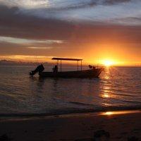 Закат в Папуа Новой Гвинеи :: Антонина