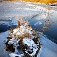 Когда-то здесь был мост... :: Сергей Чернышев