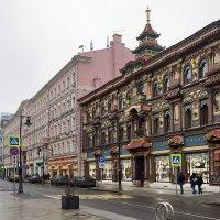 Прогулка по Мясницкой :: Юрий Шувалов