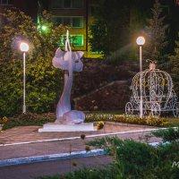 Скульптура у ЗАГСа :: Александр Мещеряков