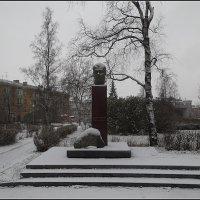 Памятник Ива́ну Ильи́чу Се́нькину :: Вера