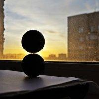 Закат солнца за пыльным стеклом :: Александр Орлов