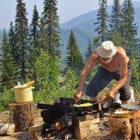 Картошечка уж готова!.. :: Сергей Чиняев