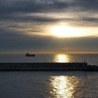 Солнце над Средиземьем :: Юрий Кольцов