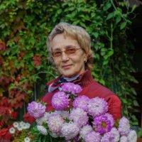 Дама с цветами :: Анатолий