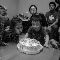 Задуть свечу-мечта детей :: Ilona An