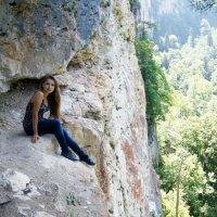 Балкончик в Верхнекурджипском каньоне :: Сергей Назаренко