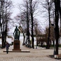 Вход в Спасо-Андронников монастырь :: Владимир Болдырев