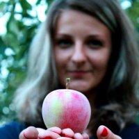 Запретный плод... :: Наталья Д