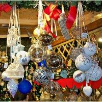 Новогодние шары. :: Валерия Комова