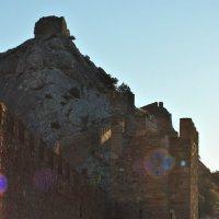 Стены Генуэзской крепости :: Георгий Калиберда