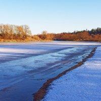 Крепчает робкий лёд реки... :: Лесо-Вед (Баранов)