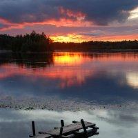 Закат на реке Кемь :: Валерий Толмачев