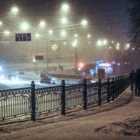 Снежный вечер :: Юрий Гребенюк
