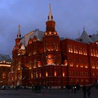 Исторический музей на фоне вечернего неба :: Виктор М