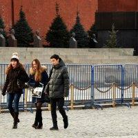 Вдоль Кремлёвской стены.. :: Владимир Болдырев