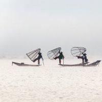 Рыбаки на озере Инле :: Алексей Mukusu