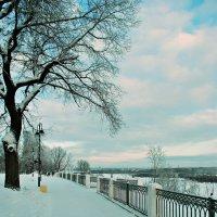 Зимняя набережная* :: Александр Архипкин