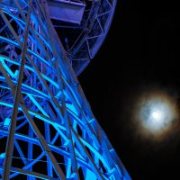 Луна и Шуховская башня, Краснодар :: Андрей Майоров
