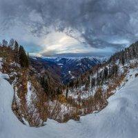 Простор долины, или пасмурный рассвет. :: Фёдор. Лашков