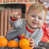 Вы купили мандарины к Новому году? :: Сергей Степанов