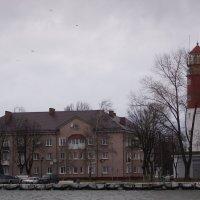 Маяк в городе Балтийске (со стороны канала). :: Максим Воробьев