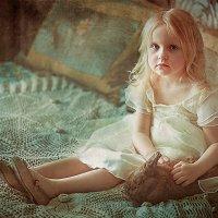 Девочка с кроликом. :: Полина Филиппова