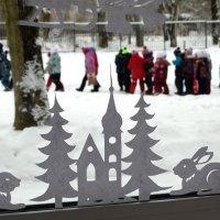 Игрушки отдыхают пока дети на прогулке :: Валерий Чепкасов