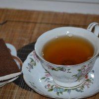 зелёный чай с пирожным :: Galina