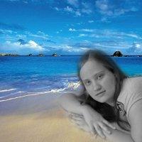 Девушка  на берегу :: Сергей