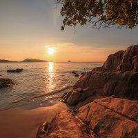 закат на пляже Patong :: Дамир Белоколенко