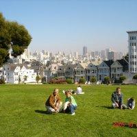 Сан-Франциско. Семь цветных вдов - домики-музеи. :: Владимир Смольников