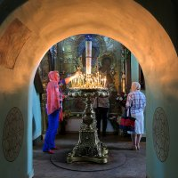 В старинном храме :: Наталья