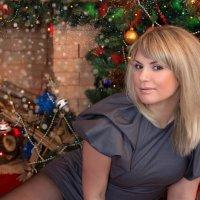 С наступающим Новым годом, друзья! :: Райская птица Бородина
