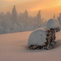 Отдыхающий снег :: Владимир Чуприков
