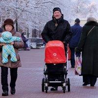 Городские зарисовки. Современники и современницы. :: Геннадий Александрович