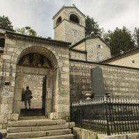 Главный вход в монастырь :: Gennadiy Karasev