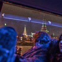 Бой часов раздастся вскоре, помиритесь те, кто в ссоре :: Ирина Данилова