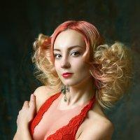 Red :: Максим Авксентьев