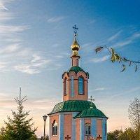 храм на Красном Камне :: Александр Поборчий