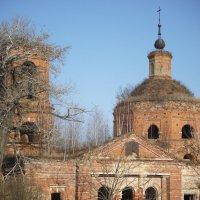 старый храм :: Vik Fox