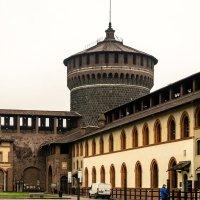 Замок Сфорца из нутри с угловой башней :: Witalij Loewin