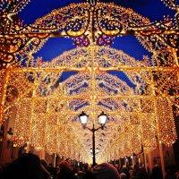 Рождественские огни на Никольской улице :: Ирина Князева