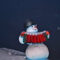 Снеговик. :: Семён Пензев