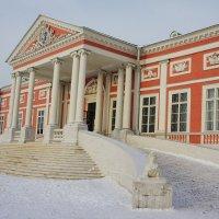 Дворец. Вид  главного въезда к Дворцу :: Елена Павлова (Смолова)