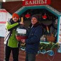 Немного праздника с площади Свободы. Сертификация...:) :: Александр Резуненко