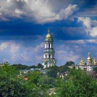 Вид на Киево Печерскую лавру  весной :: Владимир Бровко