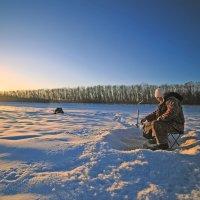 рыбалка на восходе солнца :: Владимир Артюхов